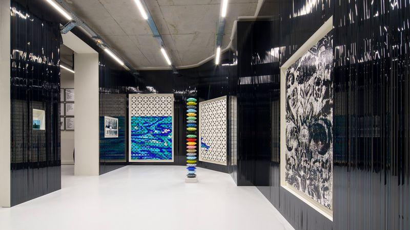 """Gregor_Hildebrandt_View of the group exhibition """"Voyages immobiles – Le grand tour"""", Diptyque"""" curated by Jérôme Sans  at La Poste du Louvre Paris (France), 2021_28501"""