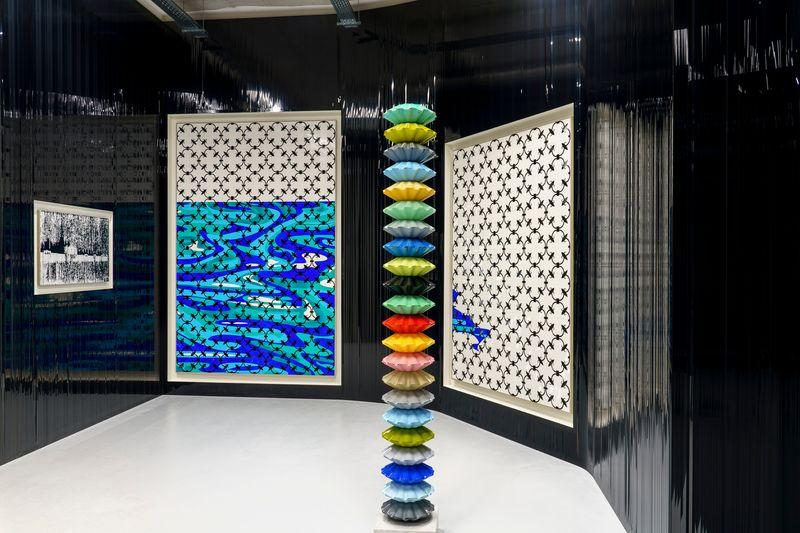 """Gregor_Hildebrandt_View of the group exhibition """"Voyages immobiles – Le grand tour"""", Diptyque"""" curated by Jérôme Sans  at La Poste du Louvre Paris (France), 2021_28503"""