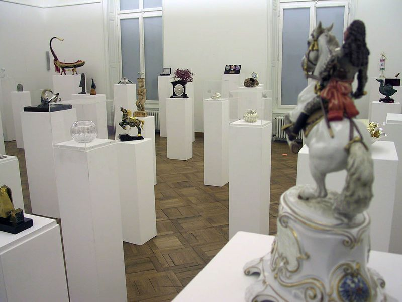 "Gianni_Motti_View of the exhibition ""Cadeaux diplomatiques"" at Kunstmuseum Thun  Thun (Switzerland), 2002_5177_1"