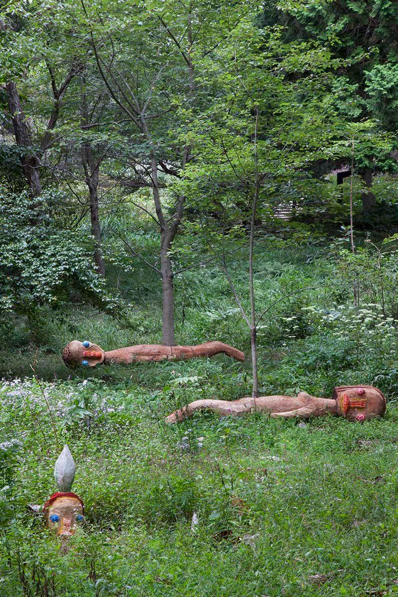 "Izumi_Kato_View of the exhibition ""Rokko meets Art 2012"" at Mount Rokko National Park  Hyogo (Japan), 2012_5831_1"