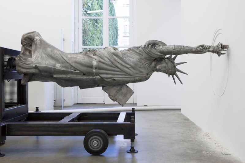 "View of the exhibition ""Freedom Fries am Arbeitsplatz"" at Galerie Perrotin, Paris (France), 2013""Freedom Fries"", 2013 / Aluminum, steel, mechanics / 112 x 377 x 130 cm, 44 1/8 x 148 1/2 x 51 1/8 inches / Unique"