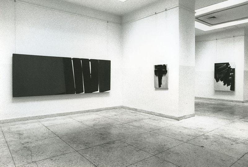 """Pierre_Soulages_View of the exhibition """"Pierre Soulages, une rétrospective"""" at Fine Arts Museum  Beijing (China), 1994_7137_1"""