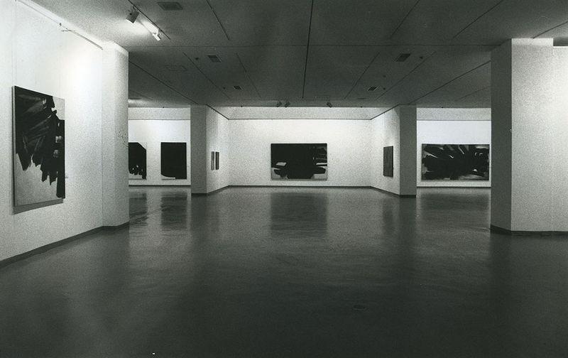 """Pierre_Soulages_View of the exhibition """"Pierre Soulages, une rétrospective"""" at National Contemporary Art Museum  Seoul (South Korea), 1993_7145_1"""