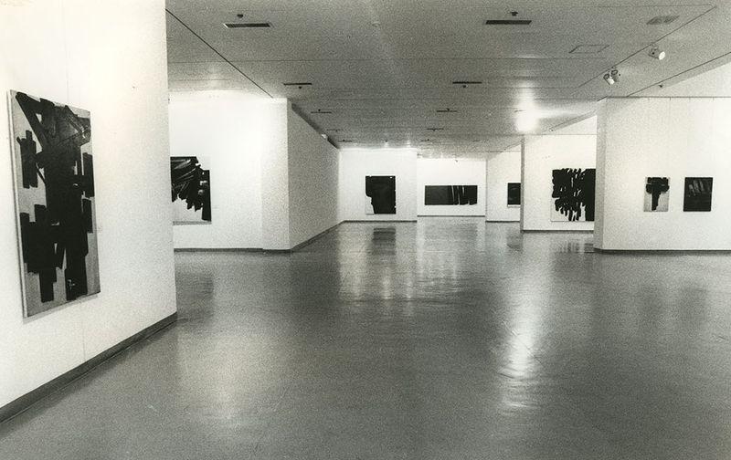 """Pierre_Soulages_View of the exhibition """"Pierre Soulages, une rétrospective"""" at National Contemporary Art Museum  Seoul (South Korea), 1993_7146_1"""