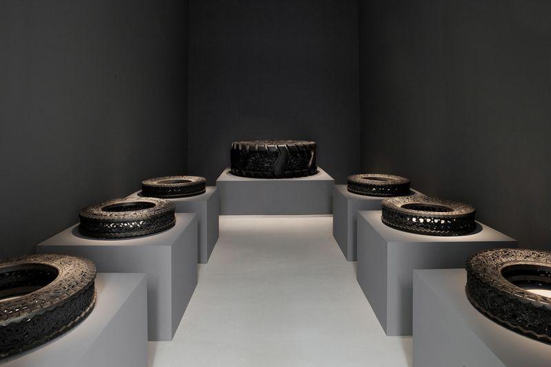 Wim_Delvoye_View of the exhibition  at Perrotin, Paris  Paris (France), 2014_8015_1