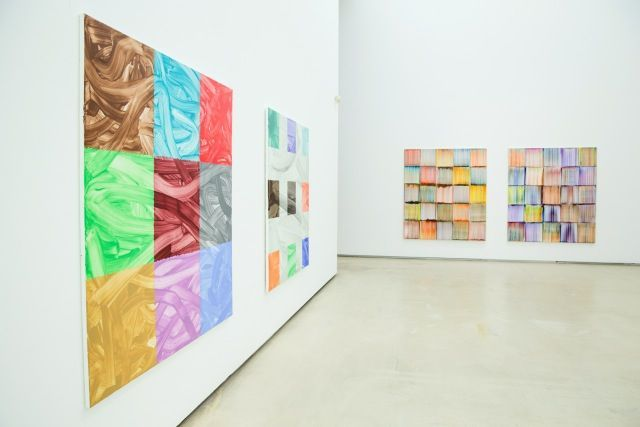 """Bernard_Frize_View of the exhibition """"We have a thread, and we want to know the whole cloth"""" at Johyun Gallery  Busan (South Korea), 2014_8098_1"""