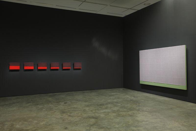 "Seo-Bo_Park_View of the exhibition ""PARK Seo-Bo"" curated by Yongdae Kim  at Daegu Art Museum Daegu (South Korea), 2012_8303_1"