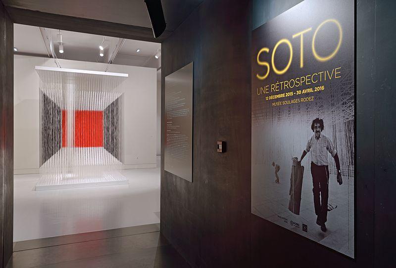 """Jesus_Rafael_Soto_View of the exhibition """"Jesús Rafael Soto. Une rétrospective"""" curated by Matthieu Poirier  at Musée Soulages Rodez (France), 2015_9757_1"""