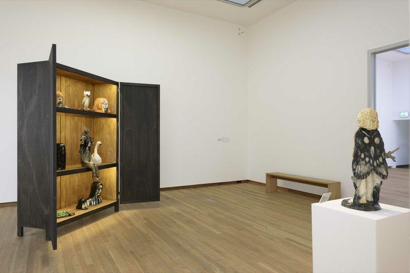 "Klara_Kristalova_View of the group exhibition ""Ceramix: Ceramics in art from Rodin to Schütte"" curated by Camille Morineau  at Musée Bonnefanten  Maastricht (Netherlands), 2015_9792_1"