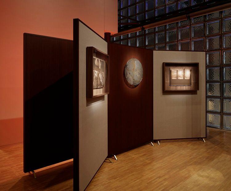"""View of the exhibition """"Soleil Noir"""" at Ginza Maison Hermès Le Forum, Tokyo (Japan), 2015-2016"""