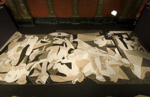 Guernica in Sand | LEE Mingwei