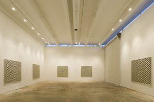 "Vue de l'exposition ""Euler Tour, Pavistram, Sona ..."" à Perrotin Miami (USA), 2005 | Bernard FRIZE"