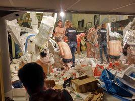 """聯展現場圖 """"Manifesta 11 Gelitin - The Guild of Giving"""" curated by Christian Jankowski  于 Cabaret der Künstler - Zunfthaus Voltaire  Zurich (Switzerland), 2016   GELITIN"""