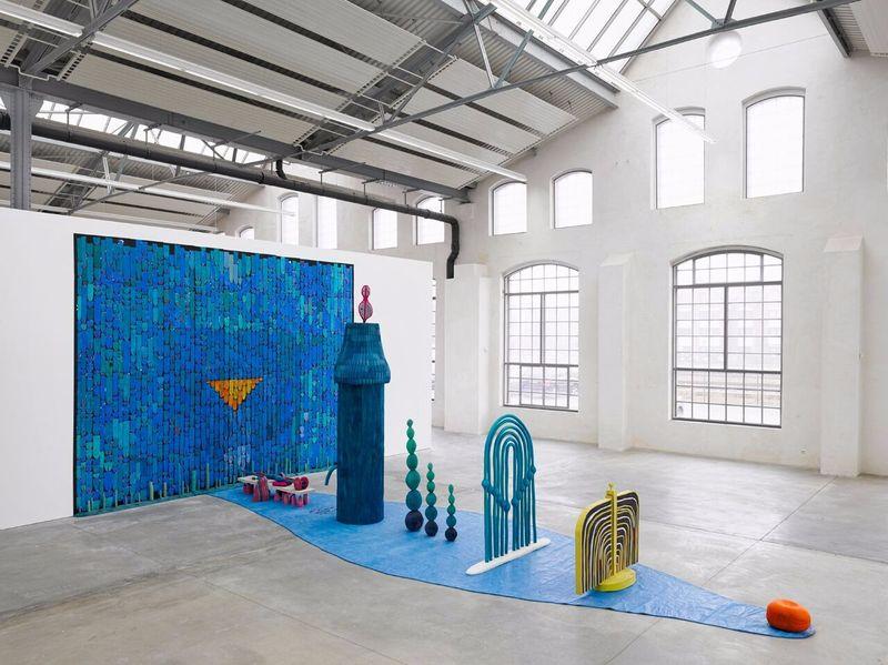 """Matthew_Ronay_View of the exhibition """"The Door is Open"""" at Kunsthalle Lingen  Lingen (Germany), 2014_14458"""