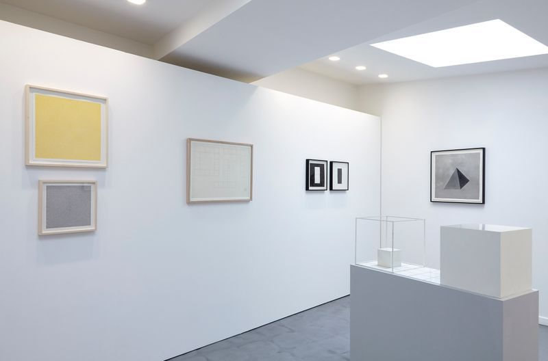 """View of the exhibition """"Sol LeWitt, presented by Paula Cooper Gallery"""" at Cahiers d'Art Gallery PARIS (France)"""