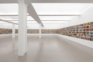 """展覽現場圖 """"Activated Artifacts"""" 于 Perrotin  New York (USA), 2019   凱特·埃里克森 & 梅爾·齊格勒"""