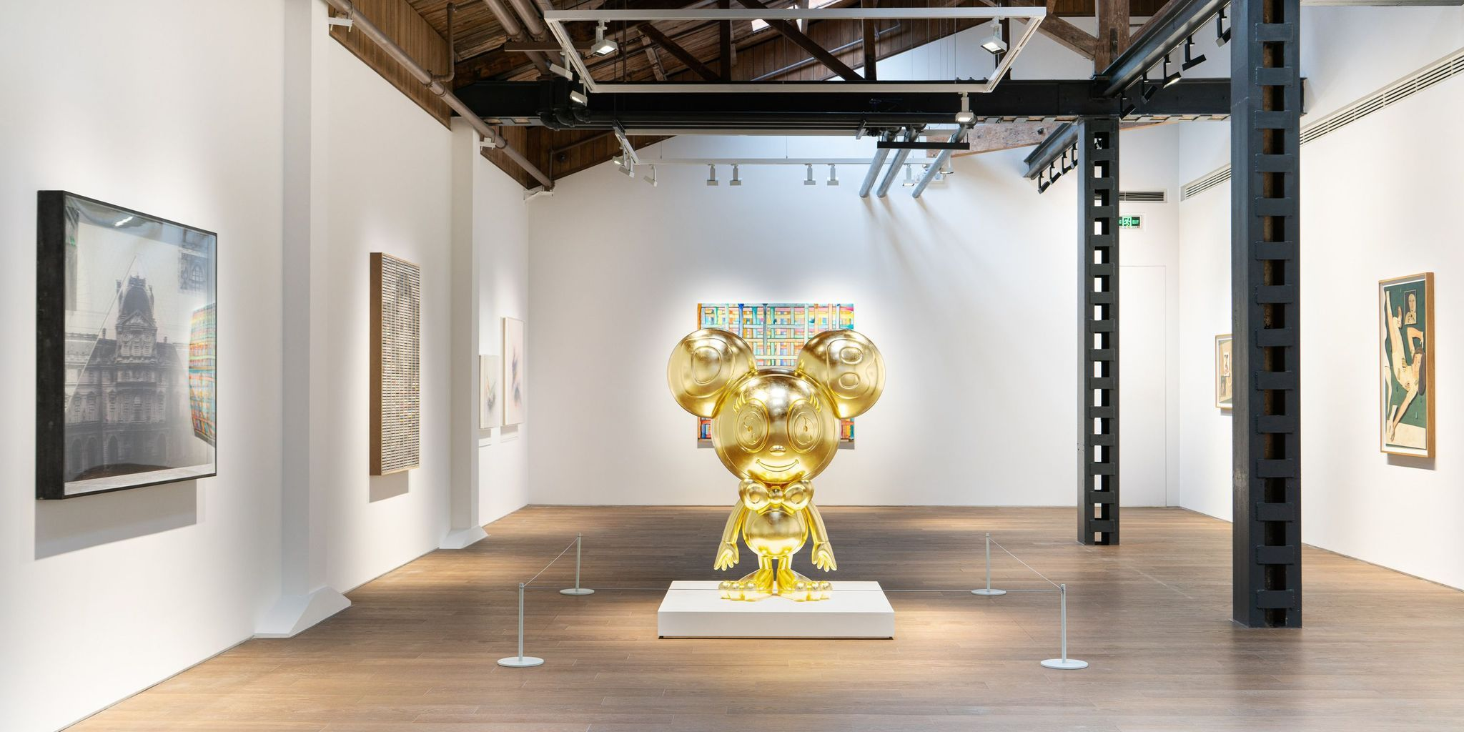 View of Messenger at Perrotin Shanghai, 2020  Photo: Mengqi Bao. ©︎2020 Takashi Murakami/Kaikai Kiki Co., Ltd. All Rights Reserved. Courtesy of Perrotin