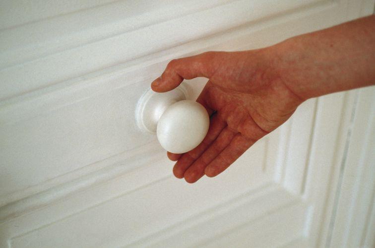 Wendy Jacob, Heating handle, 1992