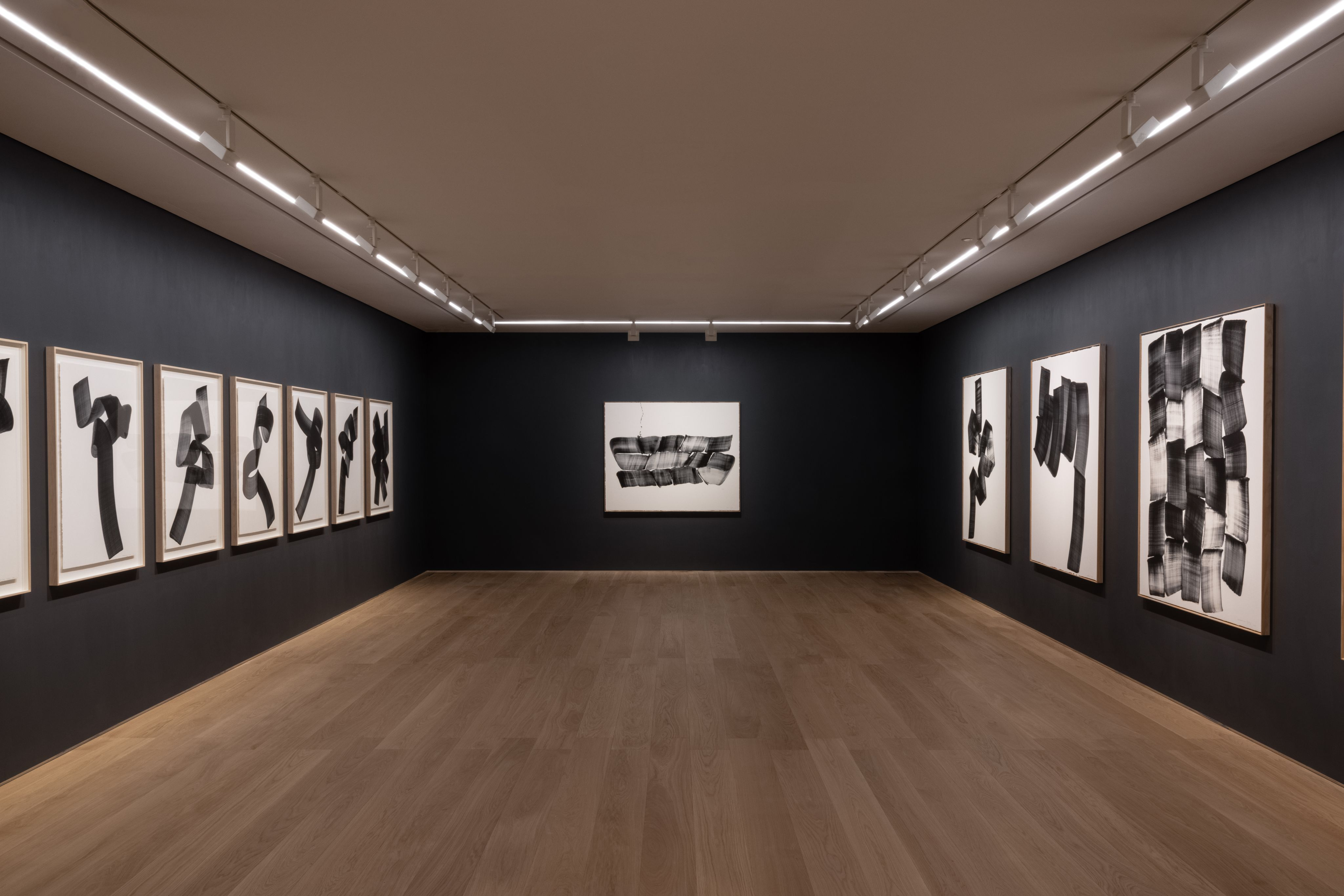 View of Lee Bae's solo exhibition Paradigm of Charcoal at Perrotin Hong Kong, 2021. Courtesy of the artist and Perrotin.