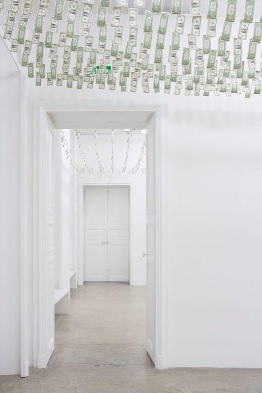 """Moneybox"", Galerie Perrotin, Paris, 2013."